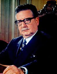 "Nine Doctors in La Moneda on September 11, 1973: From Allende to ""Mission Miracle"" (Eng.; Esp.)"