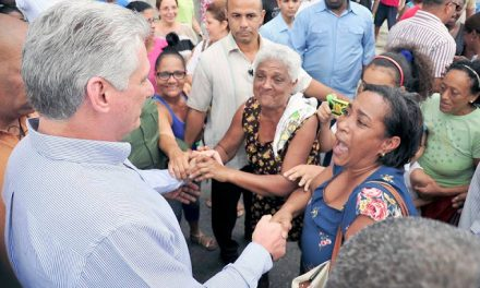 New Cuban President Transforms Style of Government (Eng.; Esp.)